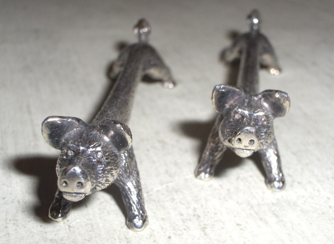 Curly tailed pigs - Knife Rests